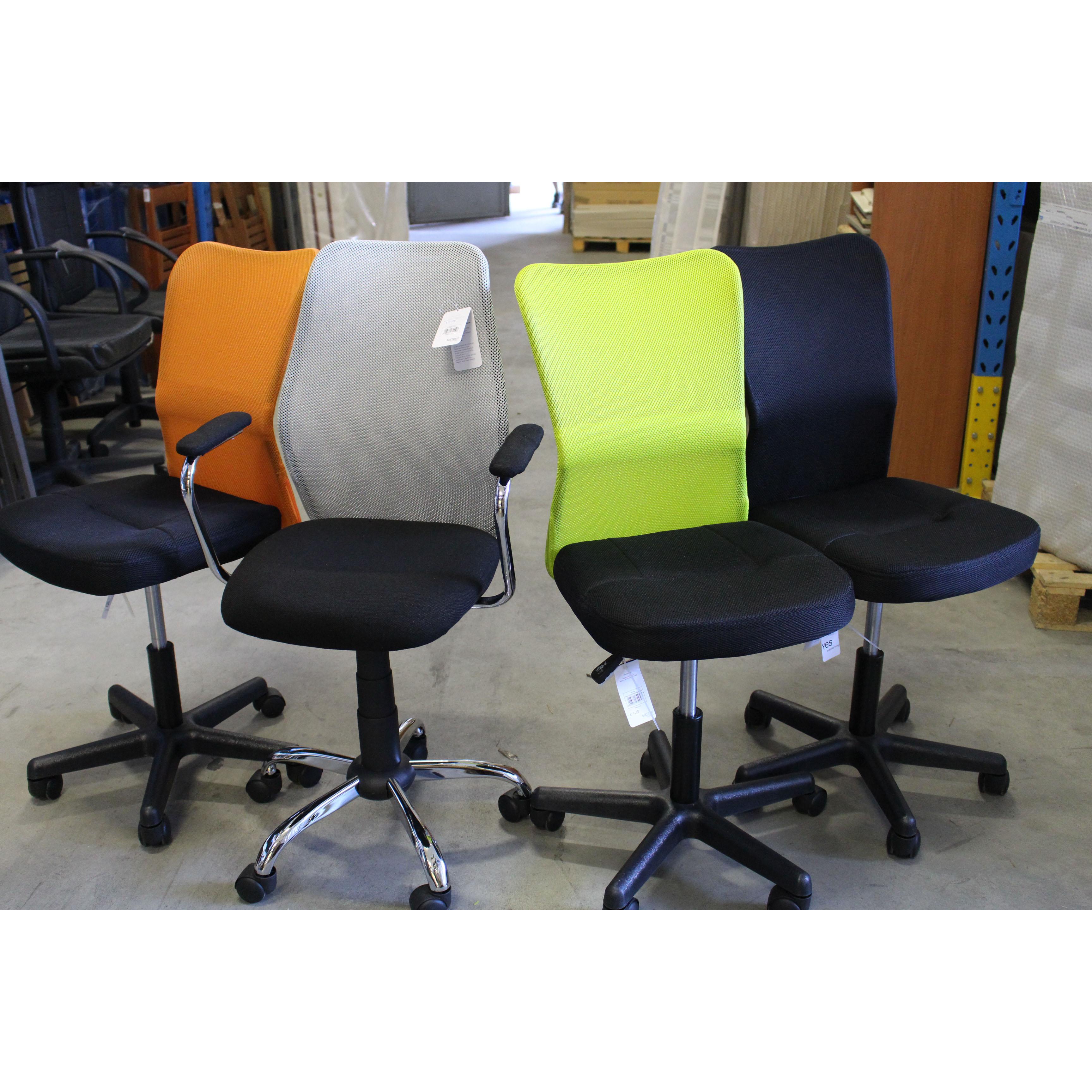 Sedia ufficio colore verde arancione nero ruote for Stock mobili ufficio